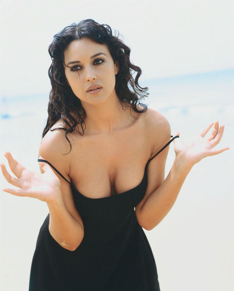 Monica Bellucci Hottest Scenes